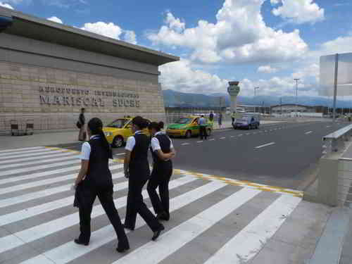 TOP 20 BEZIENSWAARDIGHEDEN QUITO, ECUADOR:The new Quito Mariscal Sucre Airport Departure Hall
