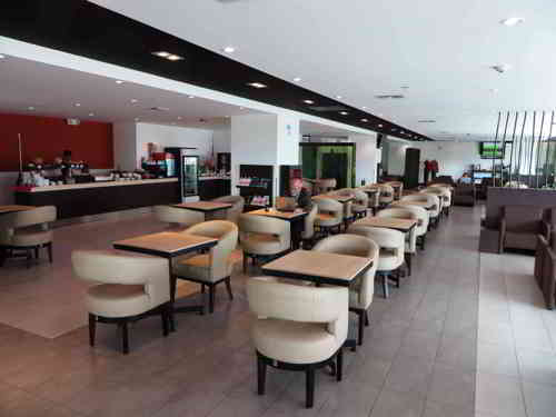 TOP 20 BEZIENSWAARDIGHEDEN QUITO, ECUADOR:The new Quito Mariscal Sucre Airport VIP room