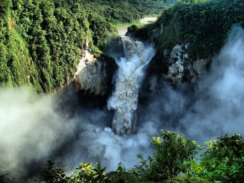TOP 10 FAMOUS PLACES TO VISIT IN ECUADOR: San Rafael Waterfalls